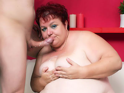 Fat Older Babe Gets Her Tits cumsprayed
