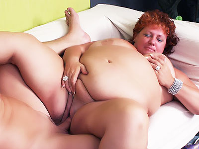 Fat Mature Plays with Her Huge scud